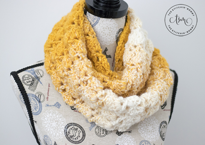 Blooming Autumn Infinity Scarf - Free Crochet Pattern | Scarf of the Month Club hosted by The Stitchin' Mommy and Oombawka Design | www.thestitchinmommy.com #ScarfoftheMonthClub2018