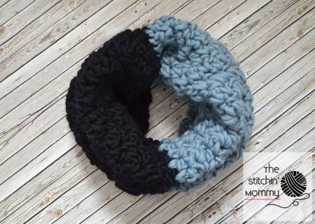 Color Block Cowl - Free Crochet Pattern   www.thestitchinmommy.com