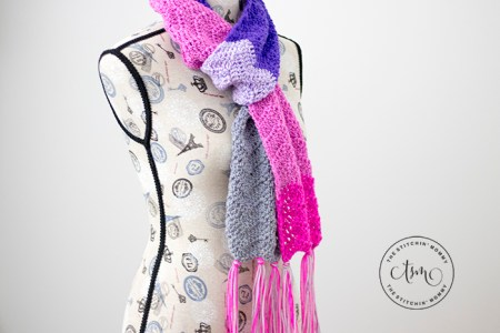 Icing on Top Ripple Scarf - Free Crochet Pattern   Scarf of the Month Club hosted by The Stitchin' Mommy and Oombawka Design   www.thestitchinmommy.com #ScarfoftheMonthClub2018