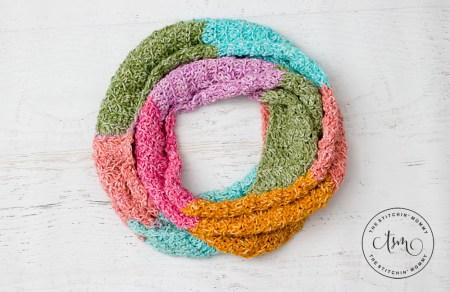 Spring Tranquility Infinity Scarf - Free Crochet Pattern #ScarfHatoftheMonthClub2020 | www.thestitchinmommy.com