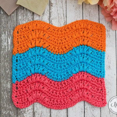 Summer Splash Washcloth – Free Crochet Pattern