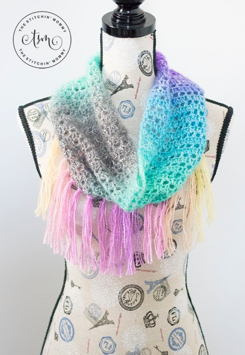 Unicorn Kisses Cowl - Free Crochet Pattern | Scarf of the Month Club hosted by The Stitchin' Mommy and Oombawka Design | www.thestitchinmommy.com #ScarfoftheMonthClub2018