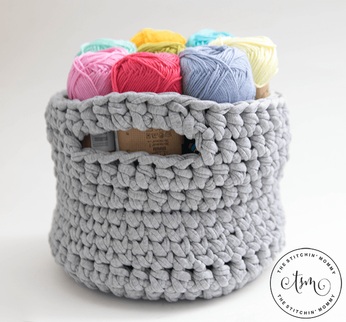 Little Crochet Basket - Free Crochet Pattern | www.thestitchinmommy.com