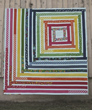 You Spin Me Right Round Quilt. Image copyright 77peaches enterprises LLC.