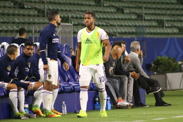 LA Galaxy players warm up during LA Galaxy's 2-1 loss to FC Dallas in the U.S. Open Cup semifinals