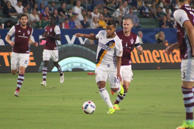 Gio dos Santos dribbles during 1-1 tie Saturday night against the Colorado Rapids at StubHub Center. Photo taken by Jorge Galves for The Stoppage Time 8/13/16