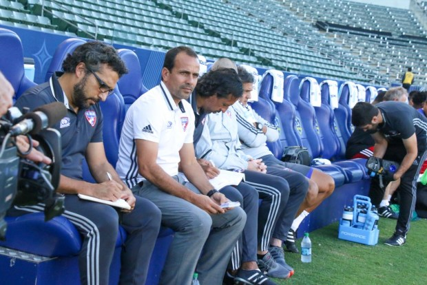 Oscar Pareja looks on during FC Dallas' 2-1 victory over the LA Galaxy in the U.S. Open Cup semifinals