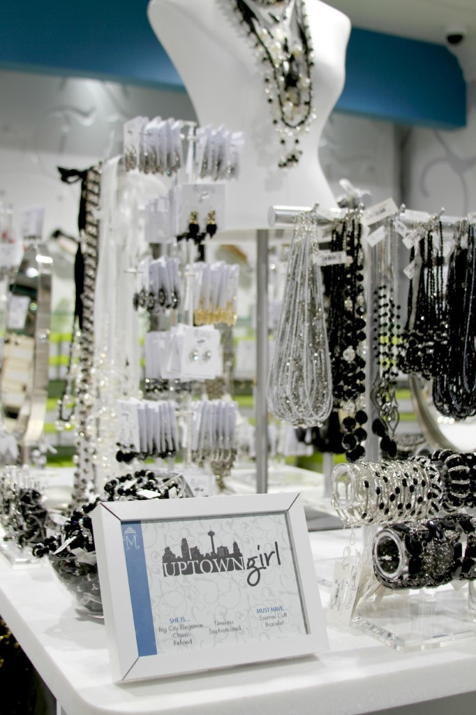 Mias Mirror Jewelry Boutique GIVEAWAY The STORIbook
