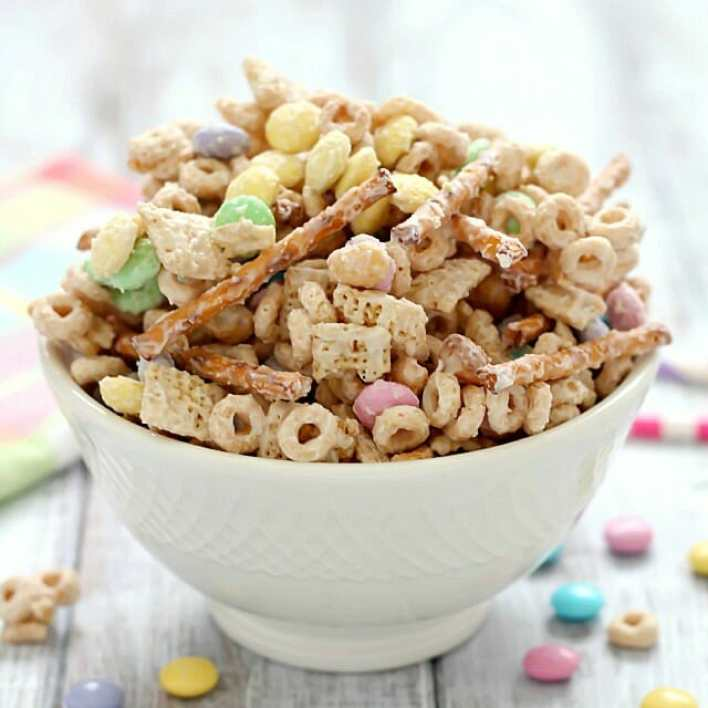 delicious easter bunny bait trail mix recipe