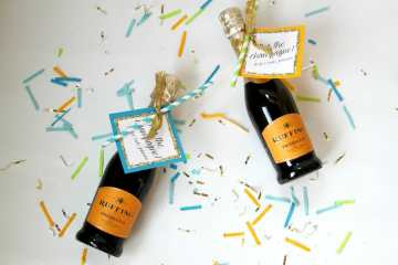 diy mini champagne favors