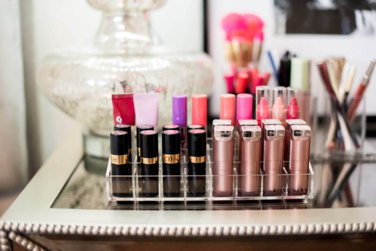 How to Organize Your Makeup with Boxy Girl