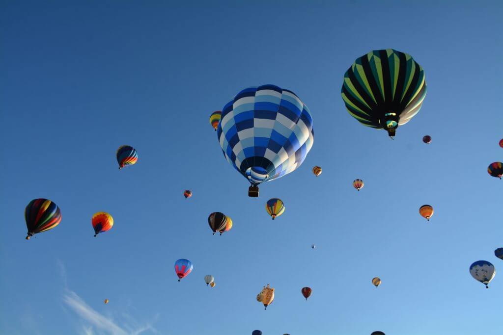 S'envoyer en l'air aux montgolfières