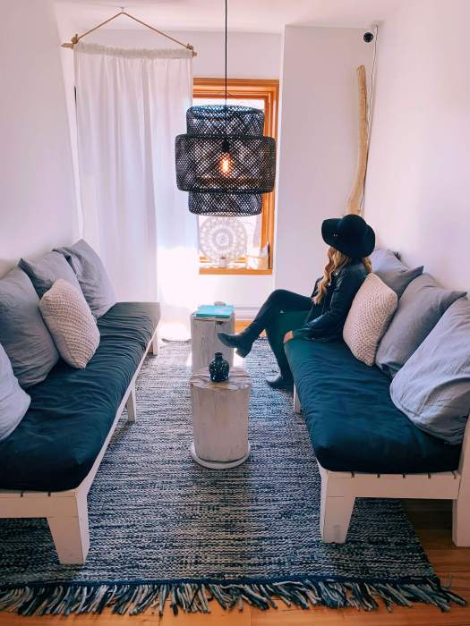 salon-lounge-boho-hostels