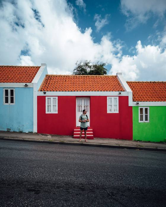 ben-chamberland-curacao-maison-coloree