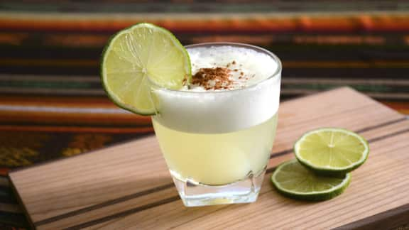 pisco-sour-cocktails