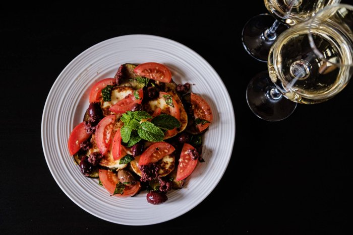 salade-aubergine-halloumi-vin-date night
