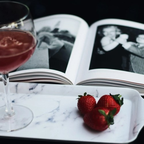 Look interesting - gin and tonic - Marilyn Monroe - The Style of Laura Jane