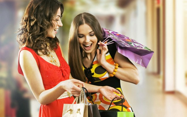 women-shopping-talking