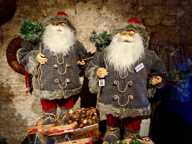 bruges-belgium-travel-guide-christmas-chocolate-beer