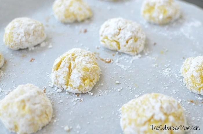 Lemon Crackle Cookie Powdered Sugar