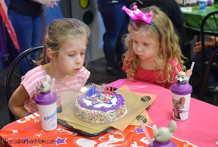 Chuck E Cheese's Birthday Cake