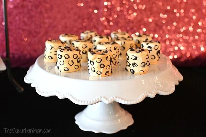 Cheetah Marshmallow Pops