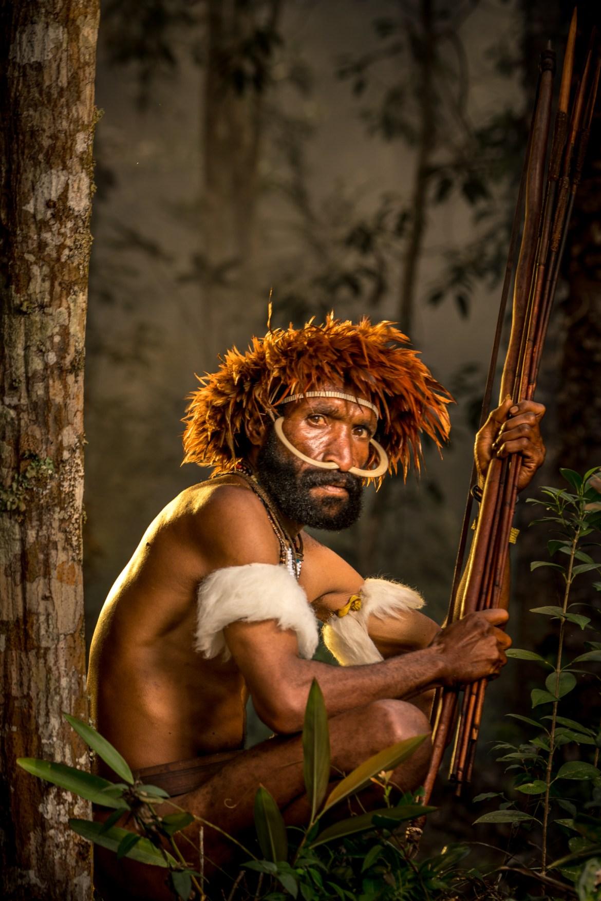 Orang-orang Dani di New Guinea Barat, Indonesia, adalah salah satu masyarakat terisolasi di dunia