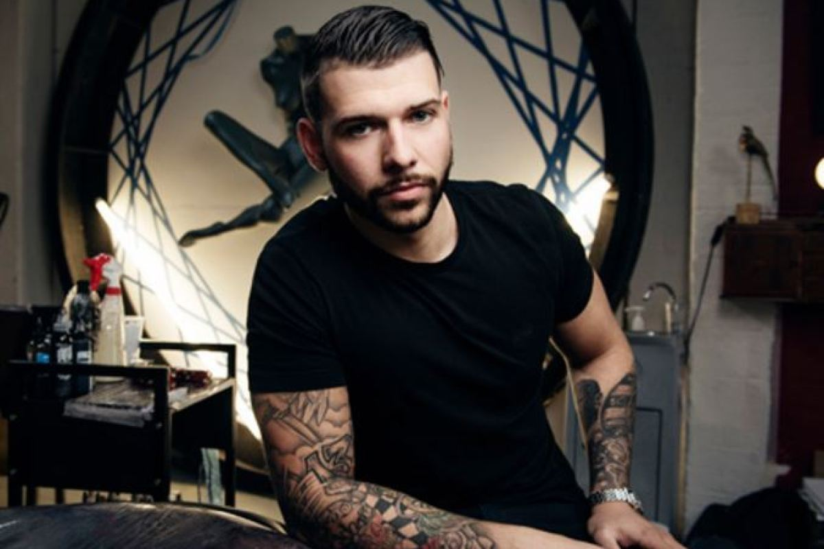 Who Is Jay Hutton Ink Artist On E4s Tattoo Fixers And