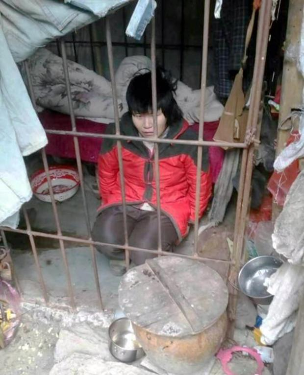 The woman in her cage in China