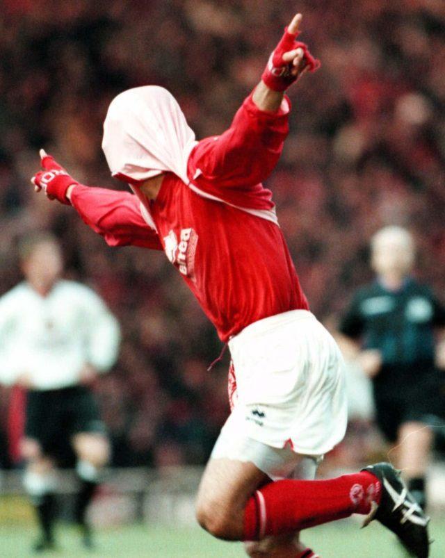 Fabrizio Ravanellis trademark goal celebration in 1996