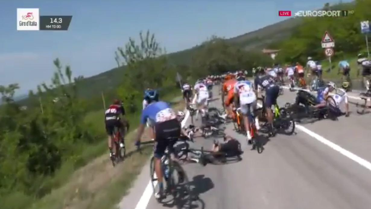 There was chaos during the Giro d'Italia after a horrific crash