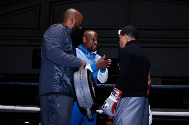 The famous US champ advised his protegee Gervonta Davis and put him through his paces