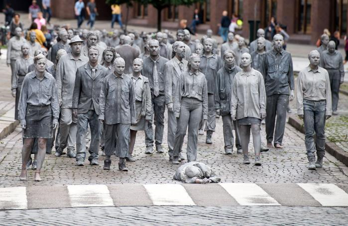 """The """"Welcome to Hell"""" demonstration was organised by the collective 1,000 Gestalten (1,000 Figures)"""