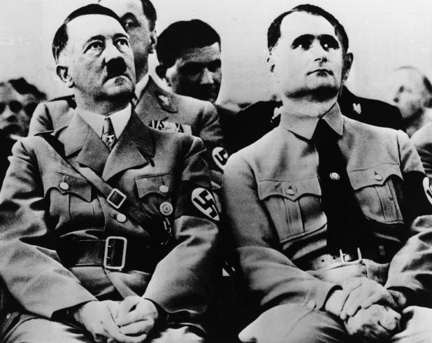Hitler e seu vice, Rudolf Hess, compartilhavam a crença em conspirações selvagens e ocultas