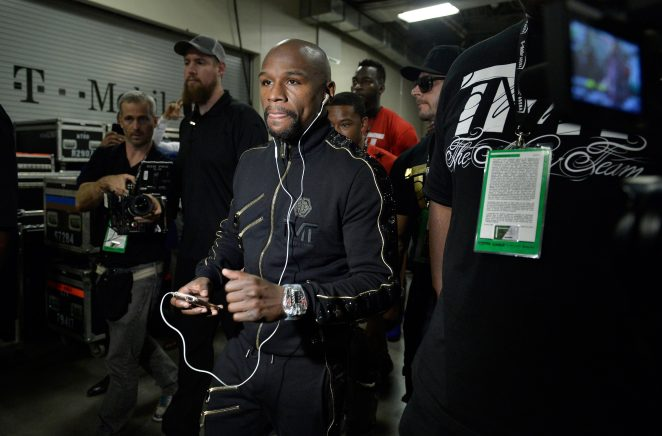 Image result for floyd mayweather with diamond ipod
