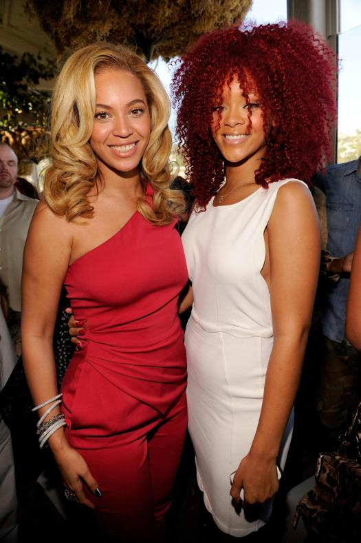 Fans of the pair had believed the superstar singers had a long-running feud - pictured together in 2011
