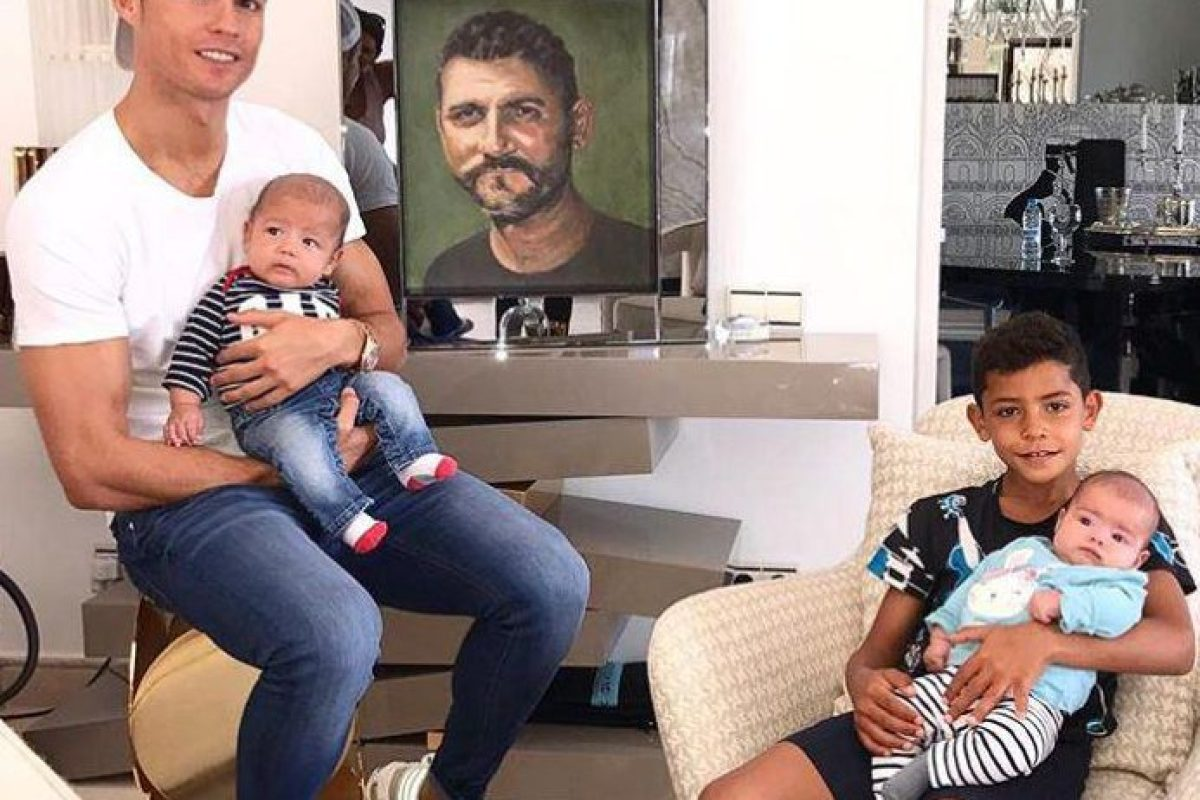 Cristiano Ronaldo pays touching tribute to his late father
