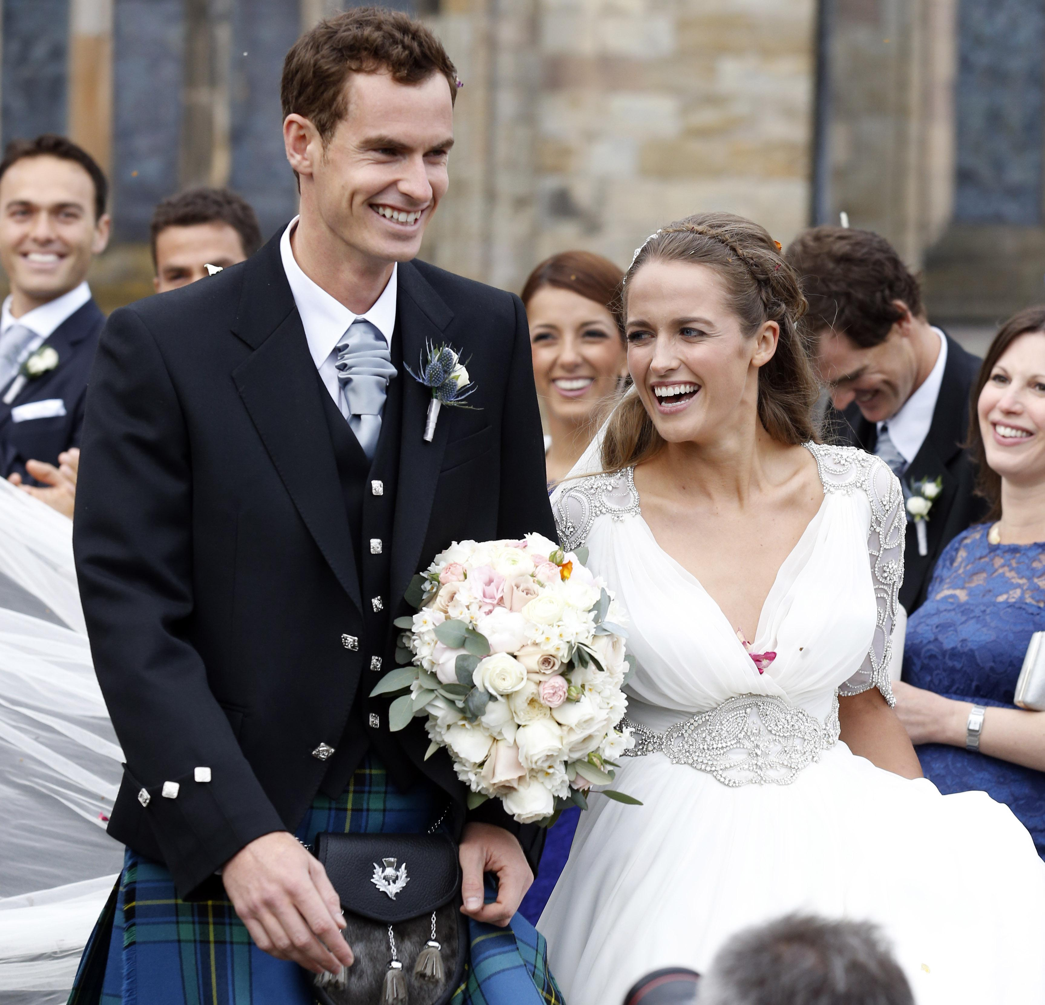 Murray and wife Kim have two young daughters, who woke up and put an end to their dad's Twitter session