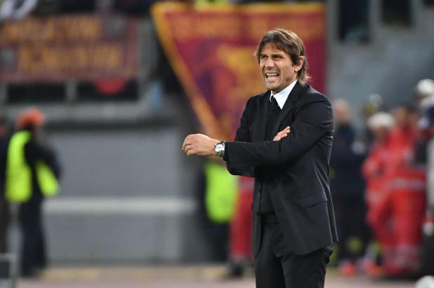 Anotnio Conte watches on as Chelsea re beaten by Roma