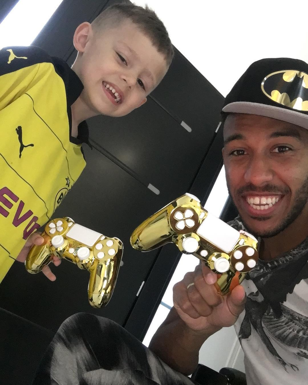 Pierre-Emerick Aubameyang has two kids, spoiling them to golden PlayStation controllers