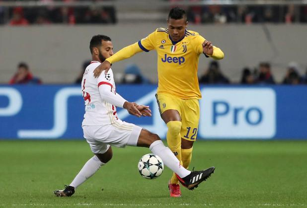 nintchdbpict0003712215092 - Alex Sandro suitors Chelsea and Manchester United can sign Juventus star in January if they make bids of £53million