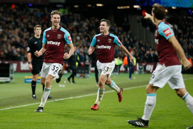 nintchdbpict000378644637 - West Ham boss David Moyes claims Wigan fans would give up FA Cup triumph to be playing Premier League football again