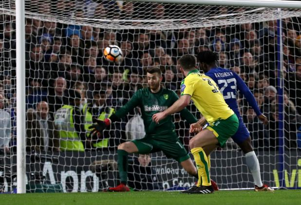 nintchdbpict000378871002 - Chelsea 1 Norwich 1 (Five-Three pens) match highlights: Willy Caballero the hero as nine-man Blues survive dramatic shootout