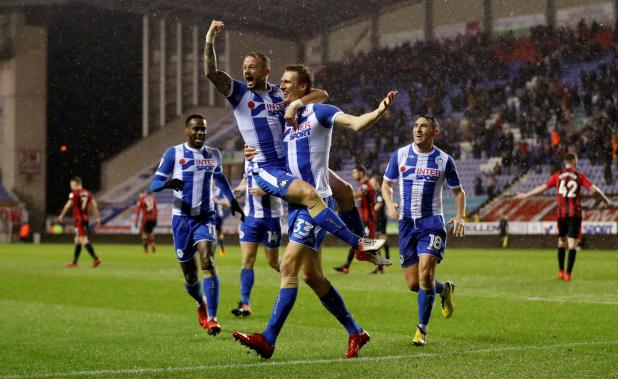nintchdbpict000378876856 - West Ham boss David Moyes claims Wigan fans would give up FA Cup triumph to be playing Premier League football again
