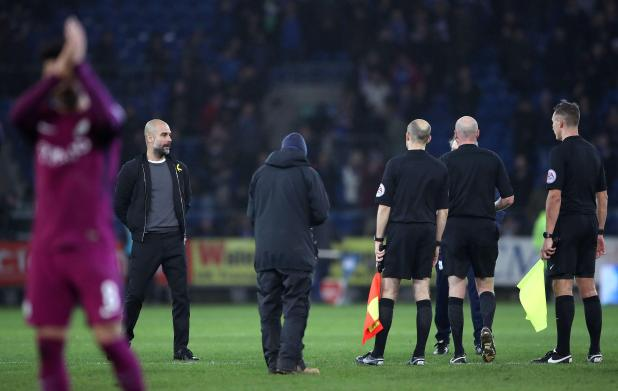 nintchdbpict000381282591 - Pep Guardiola berated referee Lee Mason for failing to protect Man City players like injured Leroy Sane