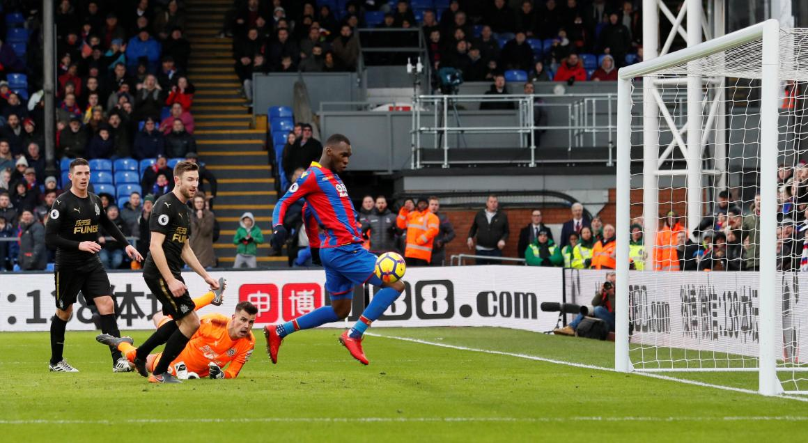 Frustrated fans take to Twitter after Crystal Palace striker ...