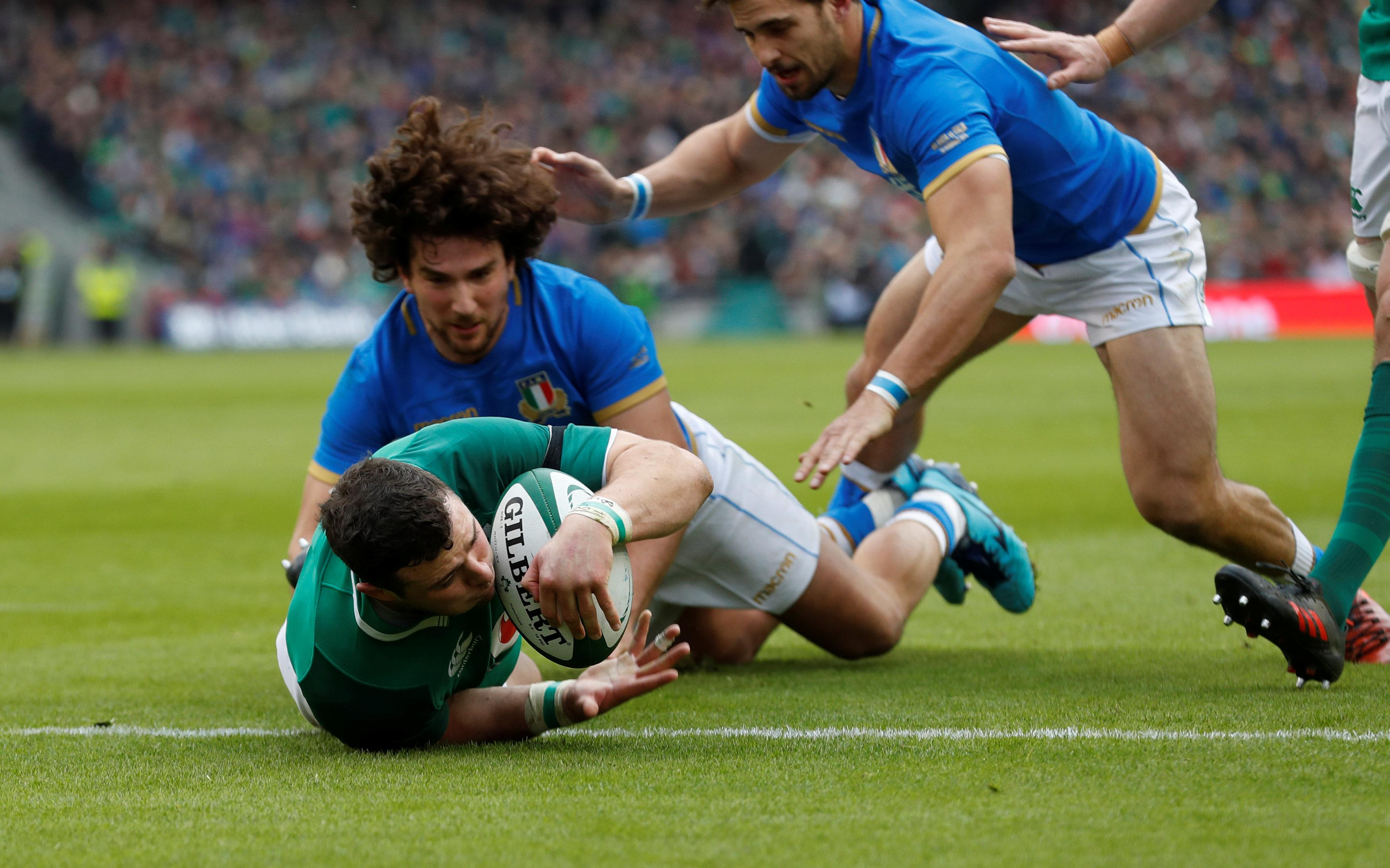 Ireland's crushing victory over Italy leaves them top of the standings on points difference
