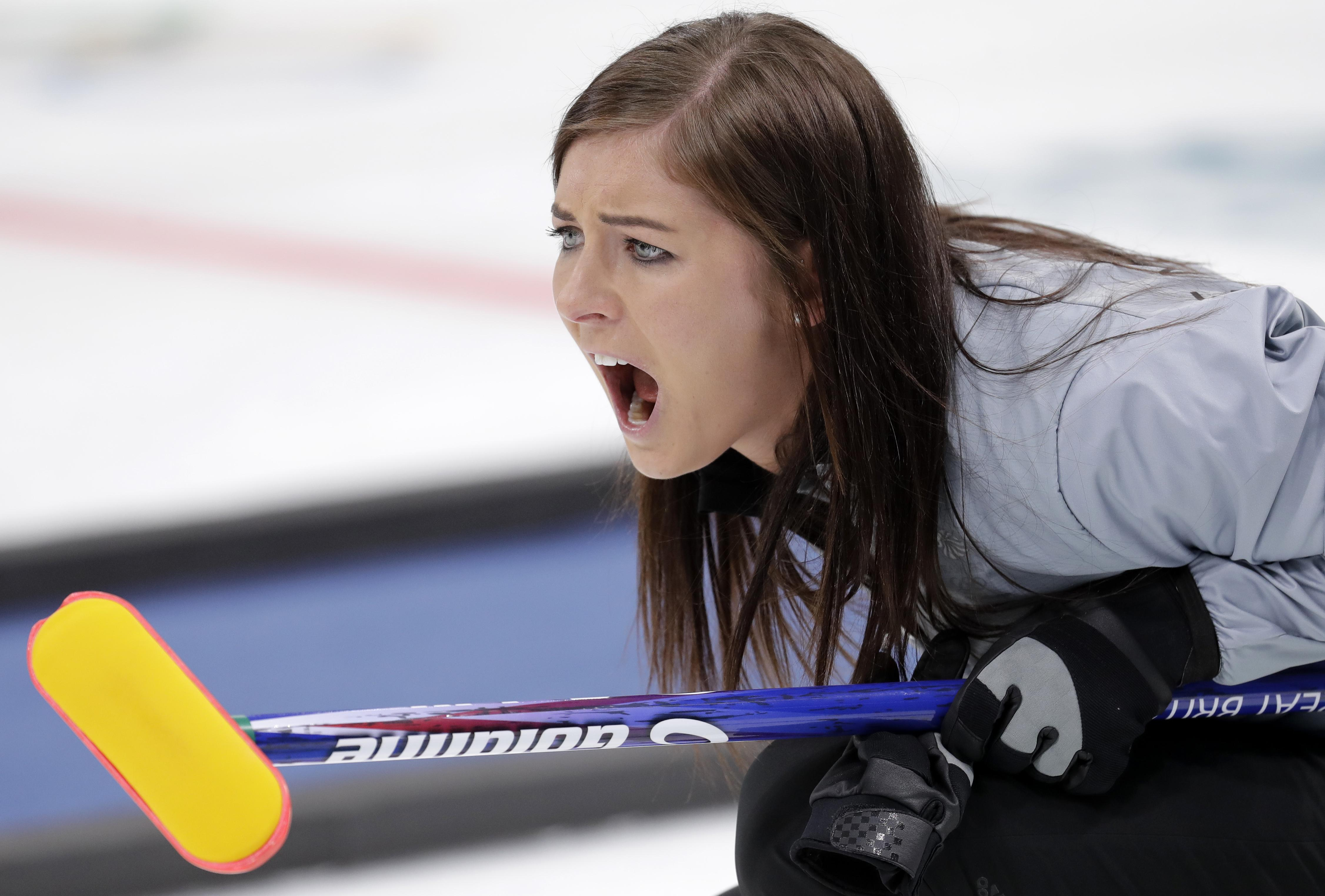 Eve Muirhead inspired Team GB to a 6-5 win over Canada