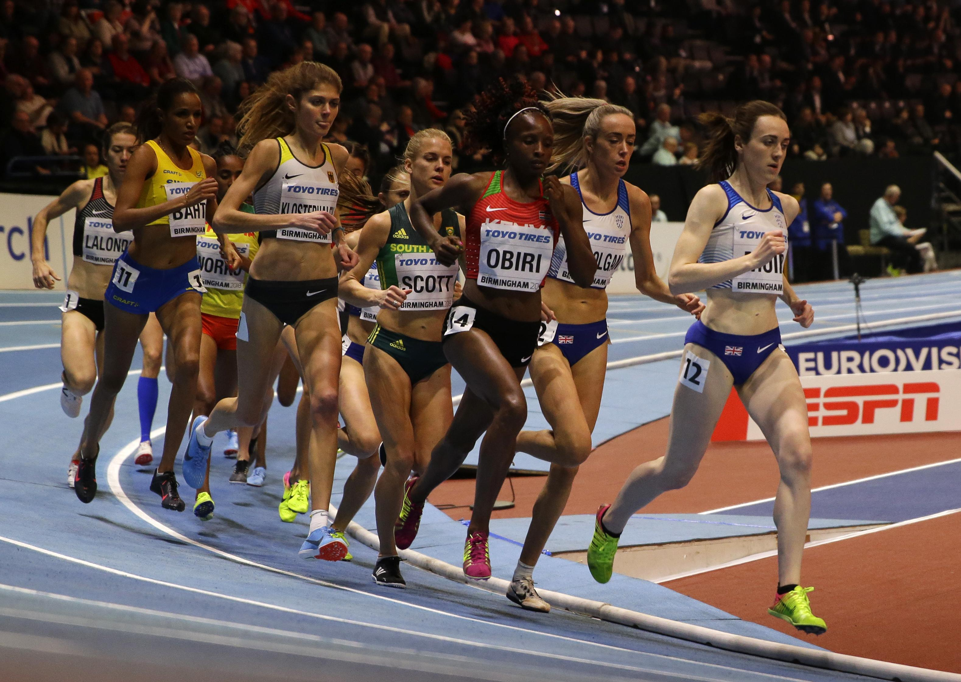 Muir leads out the women's field in the 3,000m final