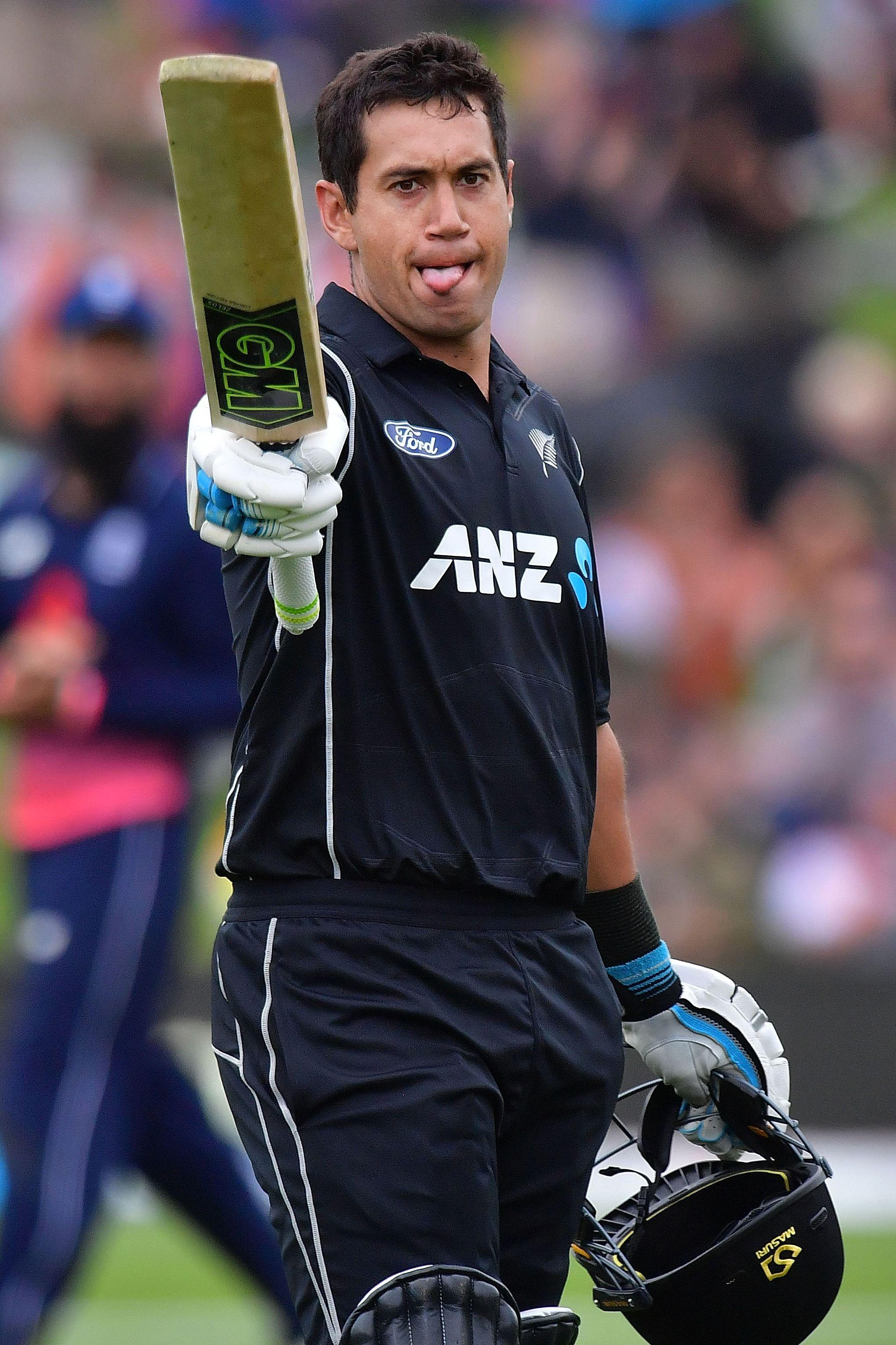 Ross Taylors innings helped level the fourth one-day international series at 2-2